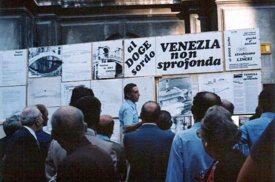 http://www.veneziadoc.net/Graphic/Ottavio/San-Salvador.jpg